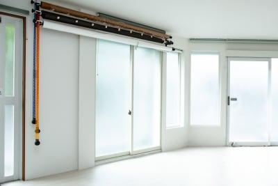 一日中自然光で撮影できる上質な空間 - レンタル撮影スタジオ写技房 1グループ1部屋の丸ごと貸し出しの室内の写真