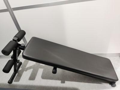 フィットネス11本山店 トレッドミル腹筋台設置ルームの室内の写真