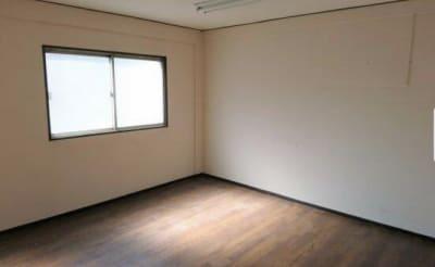 机は折りたたみとなっておりますので、なしでのご利用では、セラピーなどにご使用頂けます。 - 西田辺ビル2F、asfine asfineの室内の写真