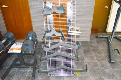 ケーブルクロスの各種アタッチメント① - ARUKAビル SinwaTrainingGymの設備の写真