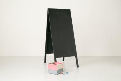 案内黒板&チョーク×2 - teniteo シェアオフィス【2名様用】の設備の写真