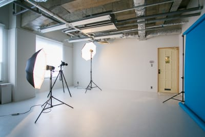 レンタルスタジオも併設しています。お気軽にご相談ください。 - teniteo シェアオフィス【3名様用】の室内の写真
