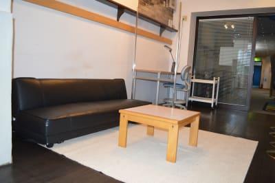 ソファーも完備してゆったりとくつろいでいただけます。 - ヤマハウイング北勢堂ビル内 多目的スペース・貸し会議室の室内の写真