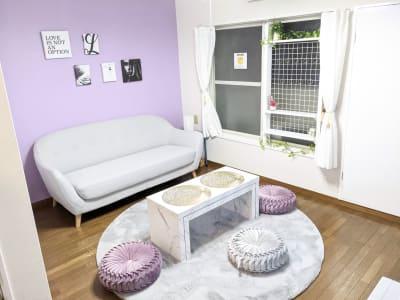 大人可愛いがコンセプトの集まりたくなる様な空間に✨ - レンタルスペース あみん家 レンタルスペースの室内の写真