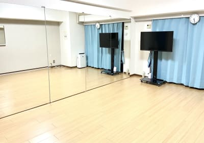 西中島ダンススタジオプラス スタジオプラス 西中島南方店の室内の写真