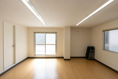 日差しが入り、換気性も抜群です! - レンタルスタジオKACHA レンタルスタジオの室内の写真