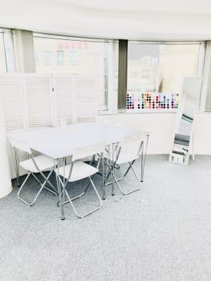 白を基調としたお部屋です - 馬喰町base レンタルスペースの室内の写真