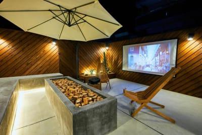 ライトアップされたテラスが素敵♪思い出に残る贅沢なプライベート空間を満喫! - Daimyo7 デラックスルーム401の室内の写真