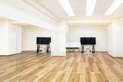 レイフラットタイルを張っており、清潔感のあるスタジオになっております。 - StudioIrodori赤羽橋 スタジオIrodori赤羽橋の室内の写真