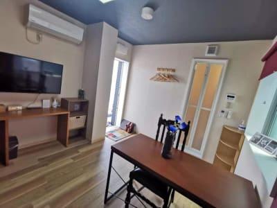 室内全景 - ゲストハウスqiao(チャオ) 多目的スペース302の室内の写真