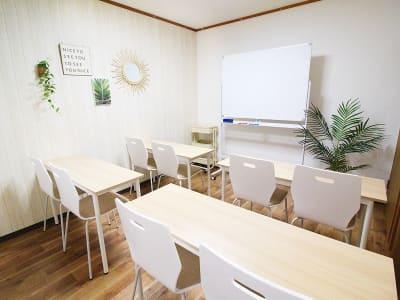 ふれあい貸し会議室 大阪KLM ふれあい貸し会議室 大阪Hの室内の写真