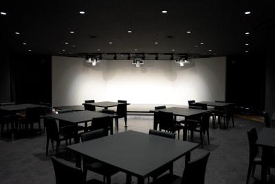 竹芝ハイブリッドスタジオ イベントスペースの室内の写真