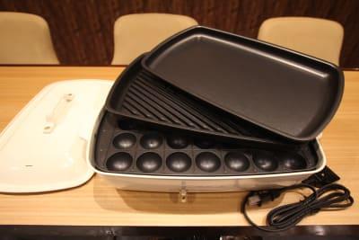 ホットプレートは通常の鉄板・肉用鉄板・たこ焼き用鉄板です - レンタルスペース「UNO」の設備の写真