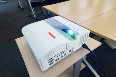 LMJSharingCenter 【多目的スペース】5L会議室の設備の写真