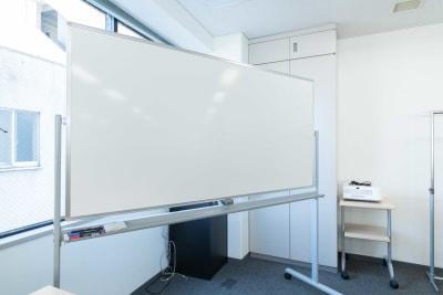LMJSharingCenter 3Fミーティングルームの設備の写真