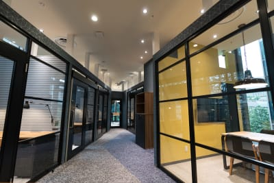 Blink紀尾井町 最大6名 レンタル会議室の室内の写真