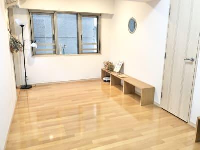 約8畳の更衣室。 サロンスペースとしてもご利用頂けます。 - レンタルスタジオ フィットネスペースの室内の写真