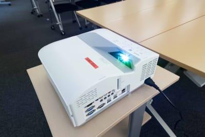 LMJSharingCenter 【多目的スペース】3S会議室の設備の写真