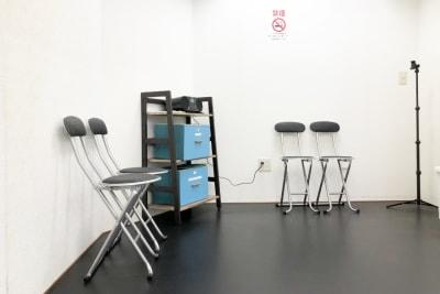 着席スペース - Risley八王子店 ダンス・ヨガスタジオの室内の写真