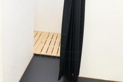 専用更衣室 - Risley八王子店 ダンス・ヨガスタジオの設備の写真