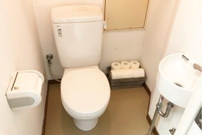 専用トイレ - Risley八王子店 ダンス・ヨガスタジオの設備の写真