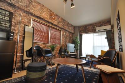 デザイナーズ家具に囲まれた贅沢な空間です♪ - HAPPY SHARE HAPPY SHARE 金山店の室内の写真
