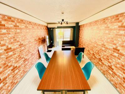 WiFi環境は光回線を使用 - レンタルスタジオBERRY 天神赤坂店(多目的スペース)の室内の写真