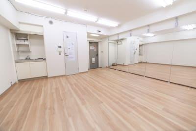 スタジオ HIKARI 東高円寺 ダンススタジオ、ヨガスタジオの室内の写真