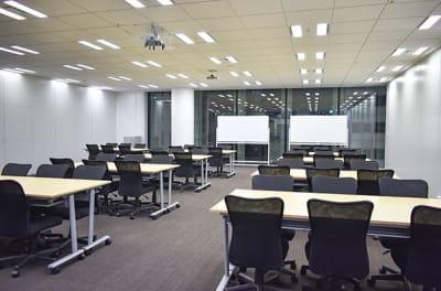 新橋アイマークビル2F セミナールーム/大会議室の室内の写真