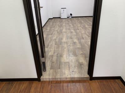 玄関から見た室内 - スタジオエリース レンタルスタジオの室内の写真