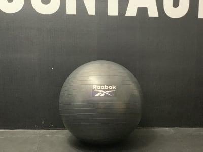 バランスボール - FULLCONTACT レンタルジム梅田/中崎町の設備の写真