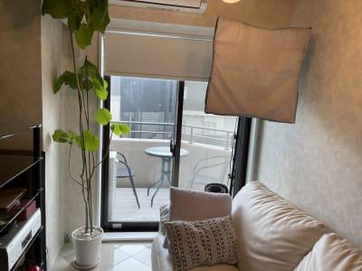 ロールスクリーンをあげたところ - 水天宮リバーサイドスタジオ キッチン付きレンタルスタジオの室内の写真