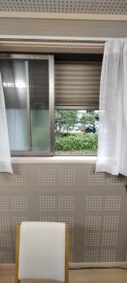 防音用のシャッター付きです。 - レンタルルーム[シアター] 防音レンタルルームの室内の写真
