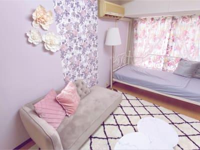 シェアベース池袋駅前 パーティーに最適な多目的スペースの室内の写真