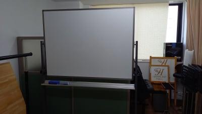 ホワイトボード - ハーモニーホール ハーモニーホール(午後枠利用)の設備の写真