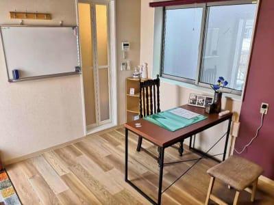 ゲストハウスqiao(チャオ) 多目的スペース302の室内の写真