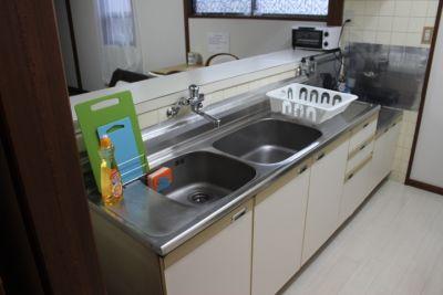 鶴橋商店街キッチン充実の一軒家! キッチンリビング貸切の設備の写真