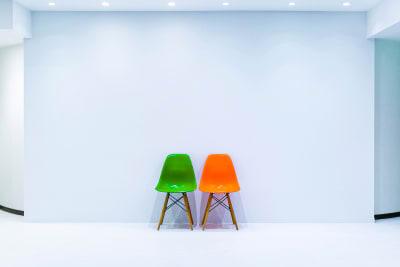 合わせやすいシンプルな白壁。 - フォトスタジオ マッシュアップ ラグジュアリーの室内の写真