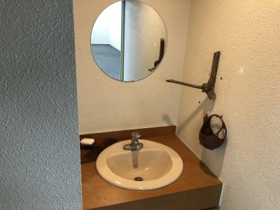 洗面台 - am Gallery OHTA 100㎡多目的オープンスペースの設備の写真