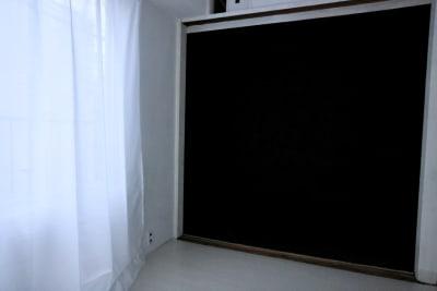 黒バックスペースもあります - スタジオcoco+(ココプラス)の室内の写真