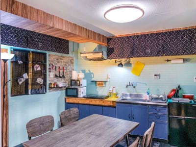 100平米以上の2階建て戸建を完全貸し切り可能。 キッチンも利用可能。マッサージチェアやダーツもご用意しております。 - 和彩家 一棟貸し切り 備品利用完全無料のその他の写真