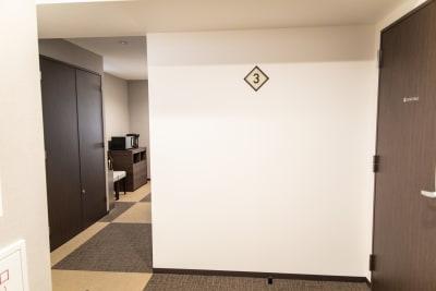 メルディアステイ二条城 会議室、レンタルスペース①の入口の写真