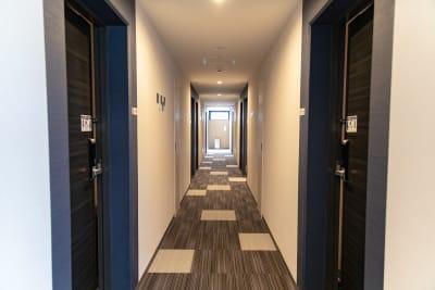 メルディアステイ四条大宮 会議室、レンタルスペース①の入口の写真