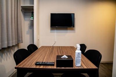 メルディアステイ四条大宮 会議室、レンタルスペース①の室内の写真