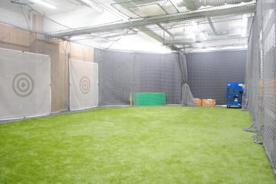 PREMIUMBASE 永山店 スポーツ施設の室内の写真
