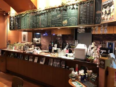 長いカウンターが特徴です - caféGLOBE 貸切フロア、レンタルキッチンのその他の写真