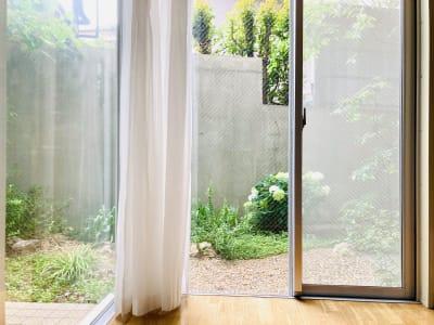 晴れた日は庭での撮影もおススメです! - BPstudio 撮影スタジオ・貸しスペースの室内の写真