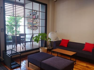 Tsunagi-BAの室内の写真