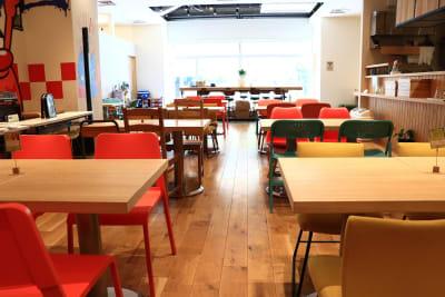 店内1 - ハイタッチ カフェ貸切レンタルスペースの室内の写真