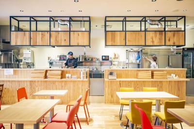 店内 - ハイタッチ カフェ貸切レンタルスペースの室内の写真